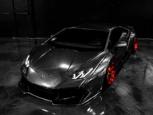 Lamborghini Huracan - Chrome Black Full Wrap